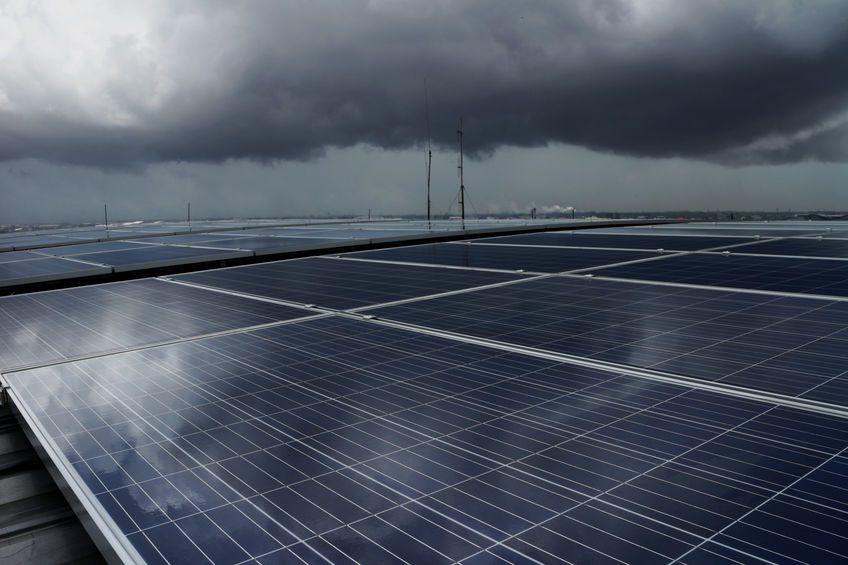 You are currently viewing Do Solar Panels Work During The Rain?